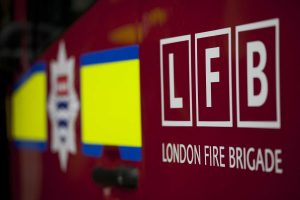 man dies in fatal flat fire in mitcham