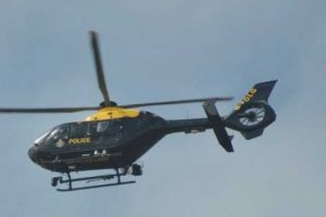 police air support called to lake on the isle of wight after man makes off from police
