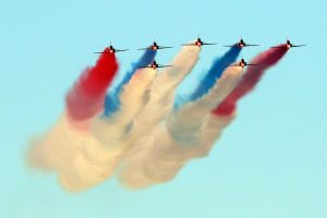 red arrows help bring the curtain down in spectacular style to cowes week 2018