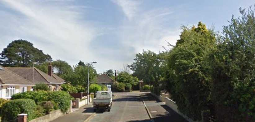 warning after gang of hooded burglars scared off by home owner in sandown
