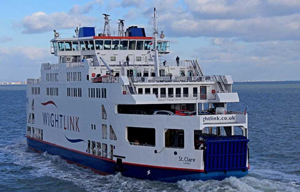 wightlink ferry delayed due to mechanical issue