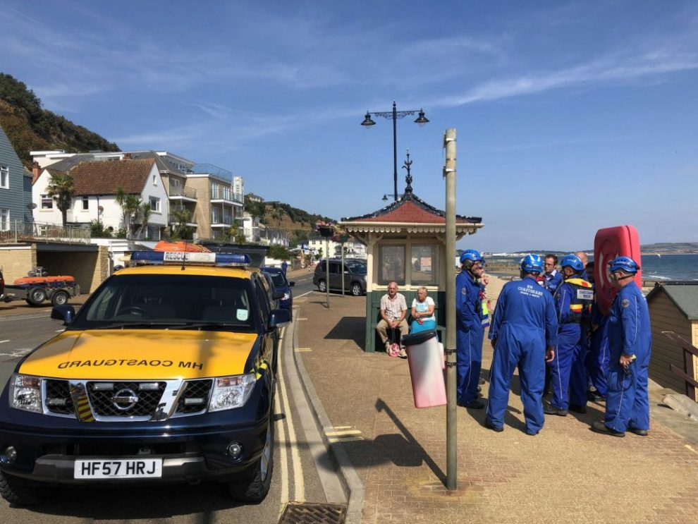 coastguard teams called to abandoned clothes on shanklin beach
