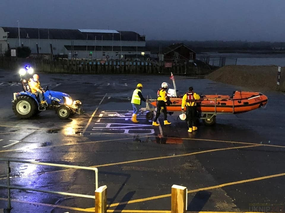 lifeboat launched following boat fire in hythe marina