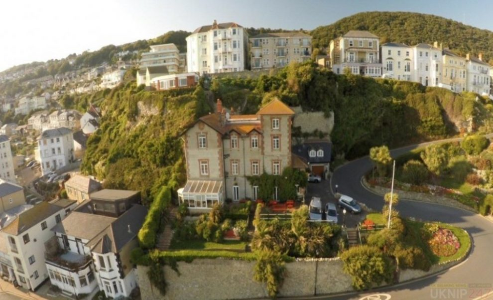 ventnor man fined for urinating in hotel alleyway and attacking the owner