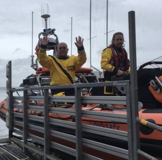 cowes lifeboat assists 36ft yacht in osbourne bay