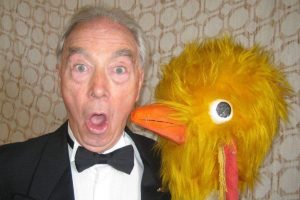 tv golden oldie bernie clifton headlining magnificent music hall