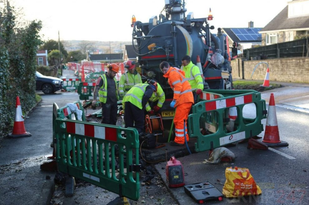update staplers road closed in both direction after sewage main bursts