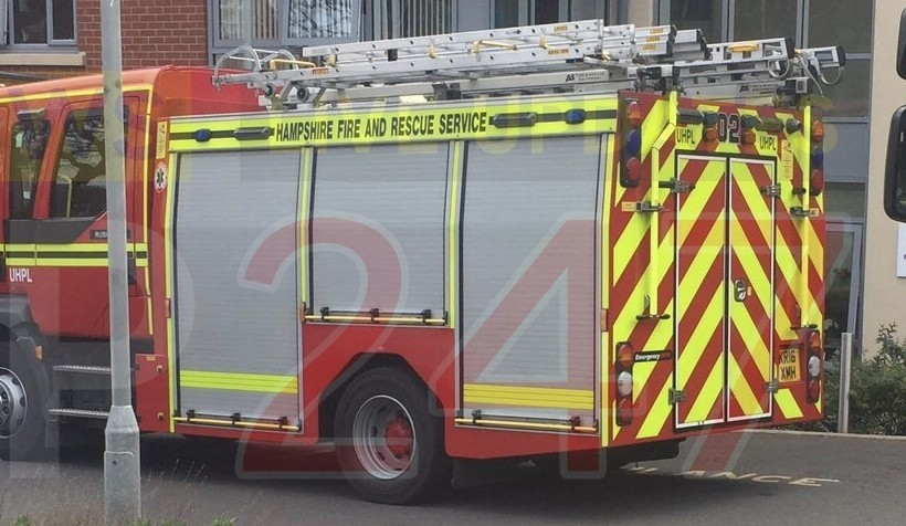 fire breaks out at hampshire shopping centre