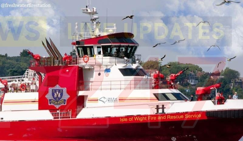 freshwater fire crews train on new fireboat for the isle of wight