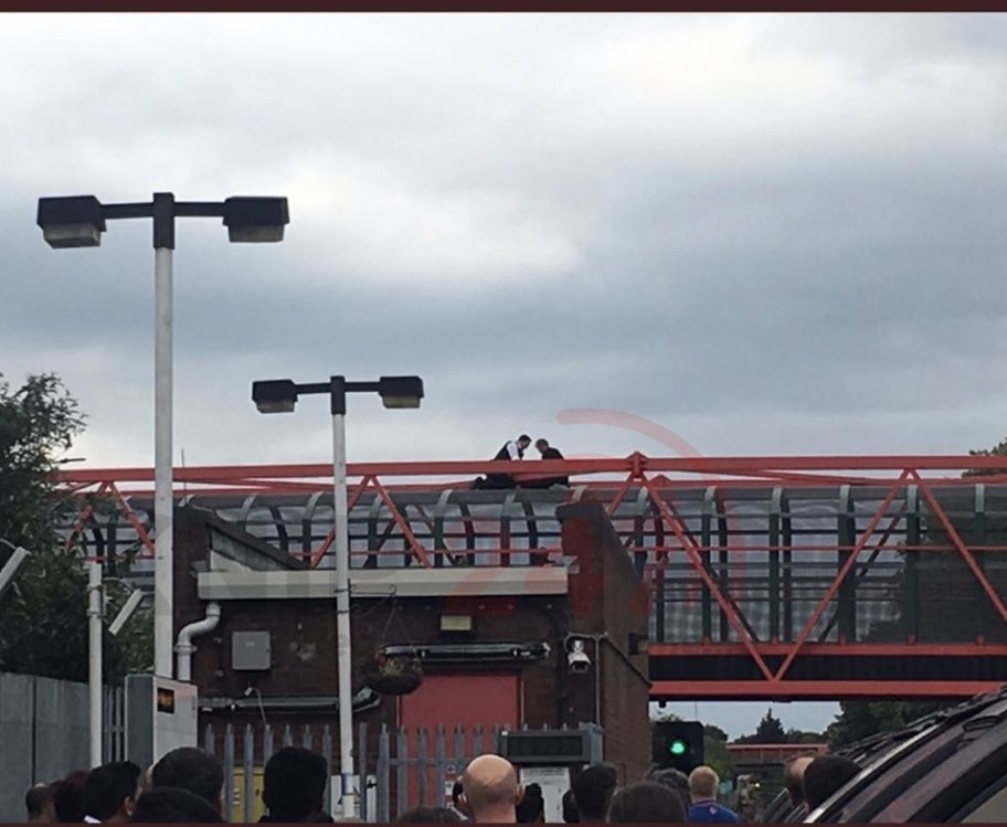 leyton station closed due to police incident
