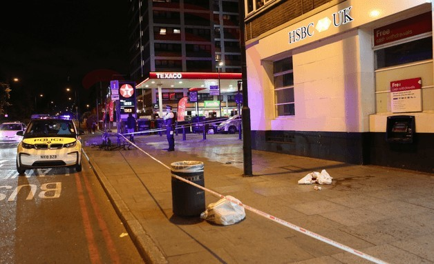 police called to man slashed on busy seven sisters road in hackney