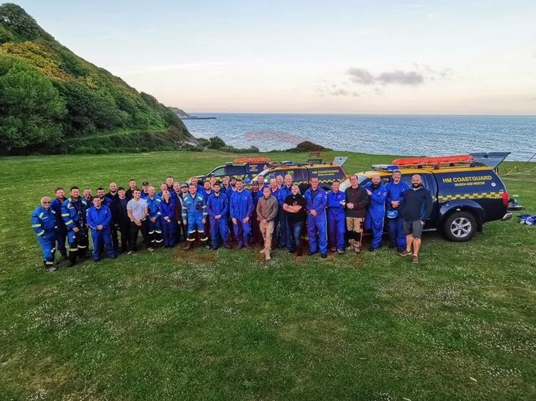 Coastguards Hero's In Headset Pay The Isle Wight A Visit