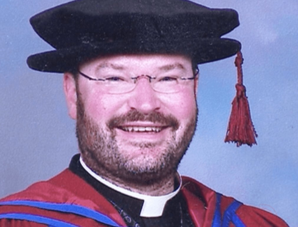 Crooked Vicar Escapes  Jailed After Retaining Funeral Fees