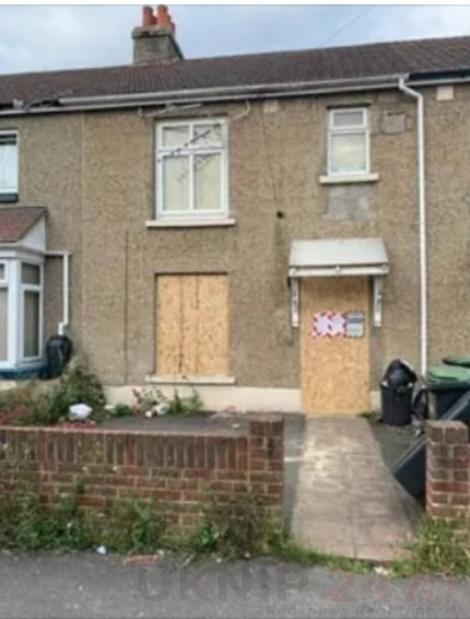 drug den in gosport closed for business by the old bill