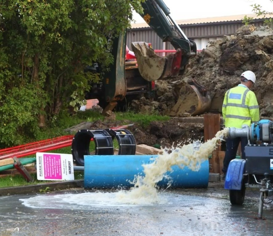 thousands left high and dry with no water after mains burst in newport on the isle of wight