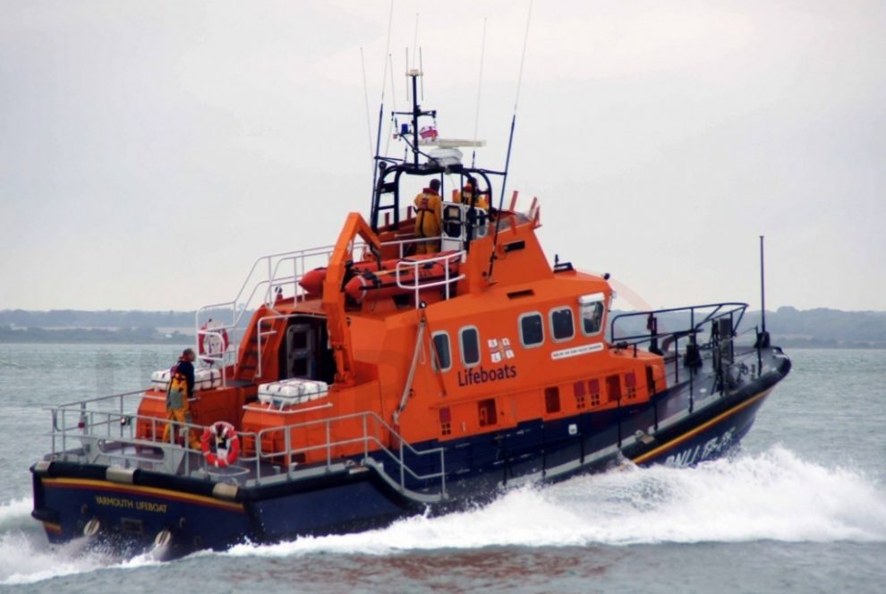 Yarmouth Lifeboat Launched To Stricken Yacht  In Colwell Bay