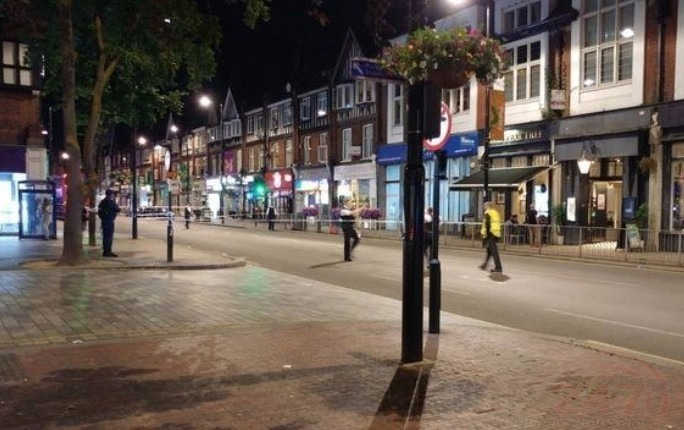 purley town centre on lockdown following stabbing