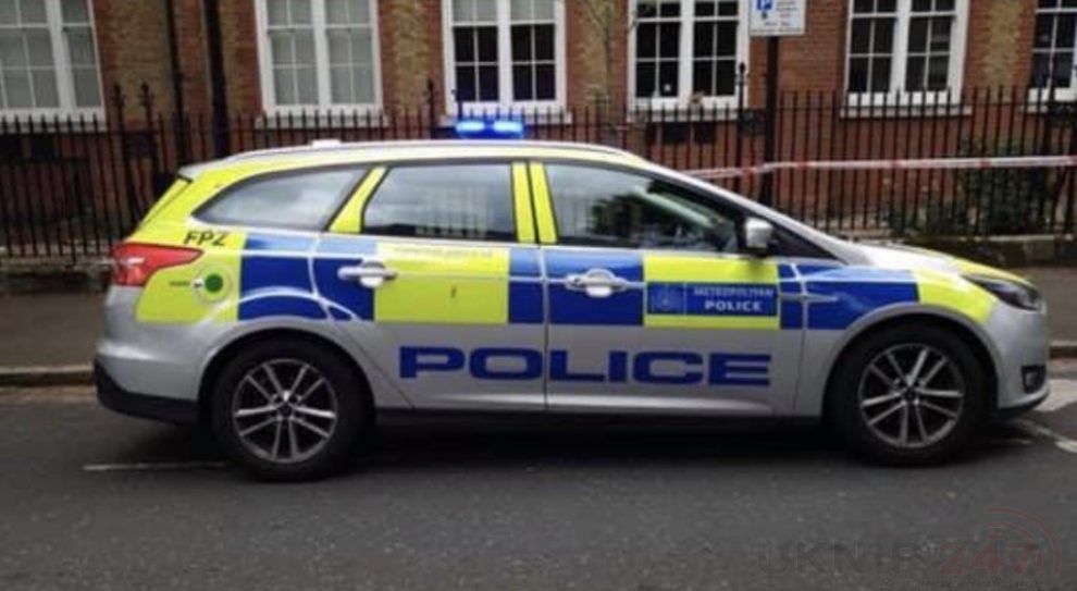 Two Officers Injured During Arrest In Tower Hamlets