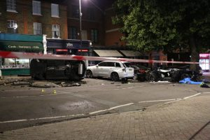 carnage after two drivers racing crash on chislehurst high street