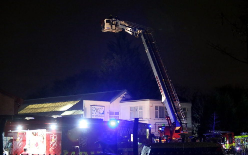 <span style='color: #fff; font-weight: bold; float: left; margin-right: .3em; background: #ff0000; padding: 0 .3em; text-shadow: none !important;'>UPDATED</span>Sixty Firefighters called to tackle warehouse blaze in Southall, UKNIP