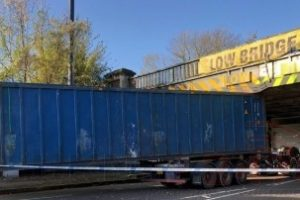 articulated lorry hit a railway bridge in west dulwich