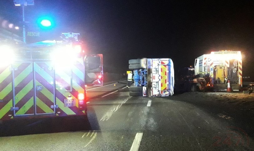hgv rollover see m3 motorway closed near winchester until 7am on sunday
