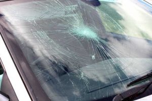 manhunt after yobs trash ten vehicles in southampton