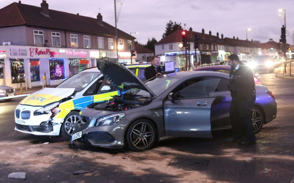 <span style='color: #fff; font-weight: bold; float: left; margin-right: .3em; background: #ff0000; padding: 0 .3em; text-shadow: none !important;'>UPDATED</span>Met Police car involved in collison on busy Blackfen Junction near Sidcup, UKNIP