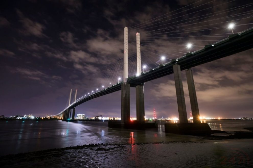 Qe2 Bridge Closed Following Police Incident