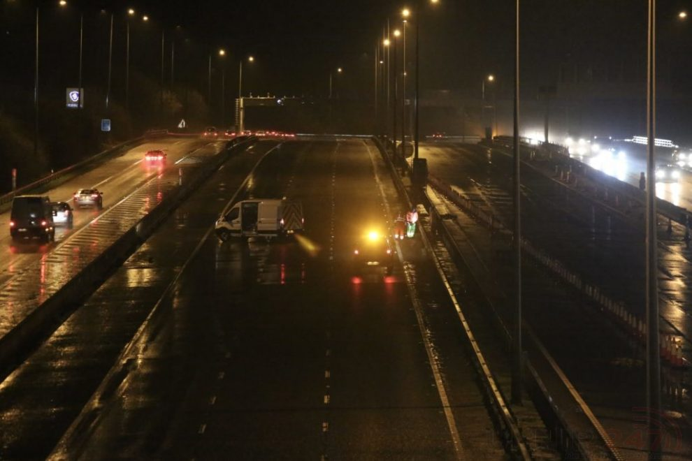 M20 Closed In Both Directions After Lamp Stand Is Blown Across The Carriageway Between Junction 5 And Junction Six