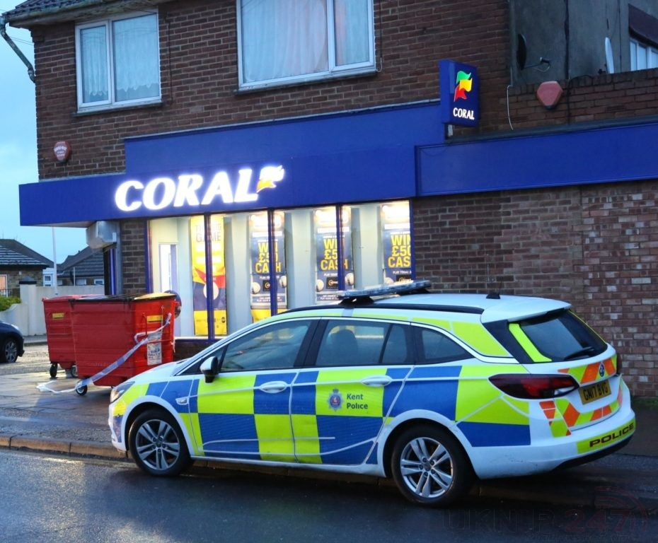 Armed Police  Descend On Margate  After Reports Of Man On The Loose With A Gun
