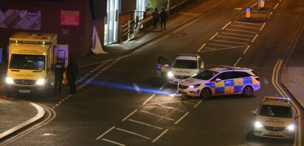 Police Called To Negotiate With A Person On Chatham  Bridge