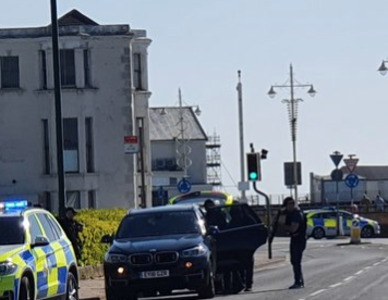 a man has been arrested after an eight hour stand off with police in bognor regis
