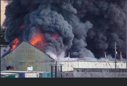 Blaze rips through Newhaven Industrial unit, UKNIP